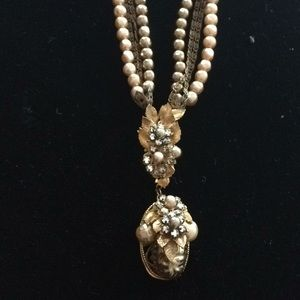 Vintage pearl and rhinestone necklace.